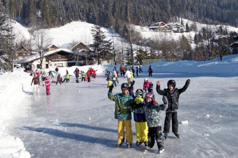 Winterurlaub & Skiurlaub am Obersulzberggut in Radstadt, Salzburger Land - Eislaufen im Ski amadé