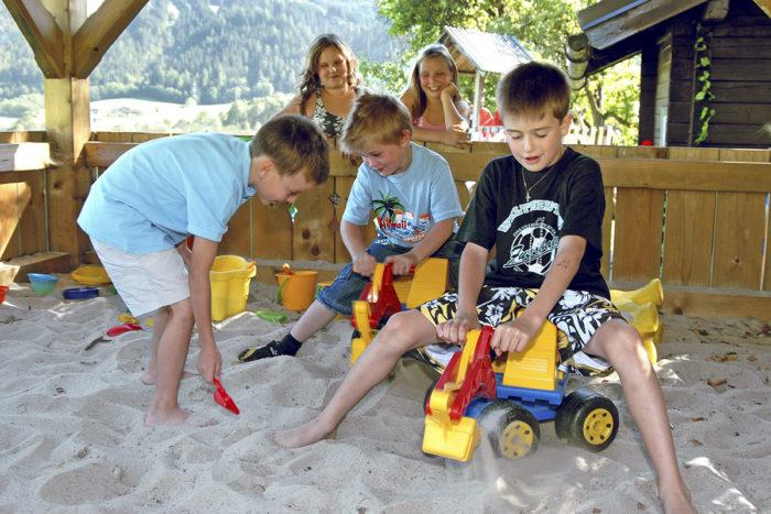 Erlebnis-Spielplatz am Kinderbauernhof Obersulzberggut in Radstadt, Salzburger Land