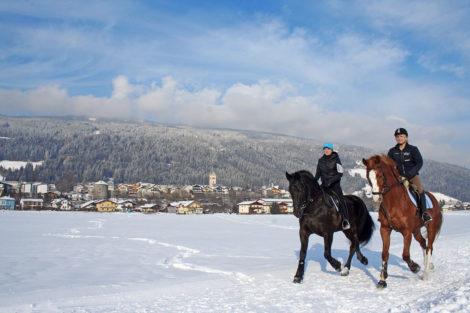 Winterurlaub & Skiurlaub am Obersulzberggut in Radstadt, Salzburger Land - Winterreiten im Ski amadé